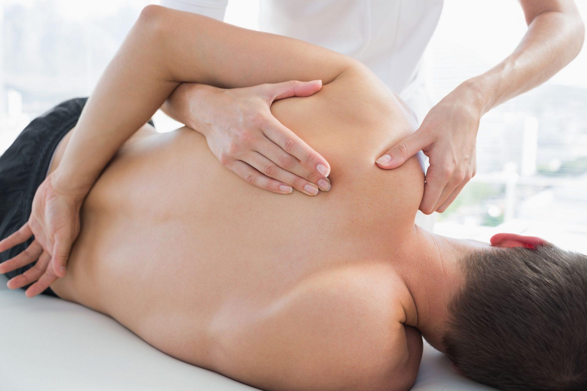 Schulterblatt Massage Heilpraktikerin Eike Seibert